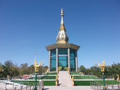 Pagoda is made of glass — Стоковое фото