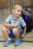 Child snacking on trip — Stock Photo