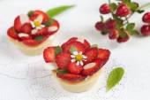 Strawberry Custard Tarts — Stock Photo