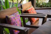 Pillow on wood chair — Foto de Stock