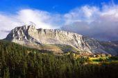 Itxina massif and Urigoiti village — Stock fotografie