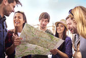 Young friends traveling — Stock Photo