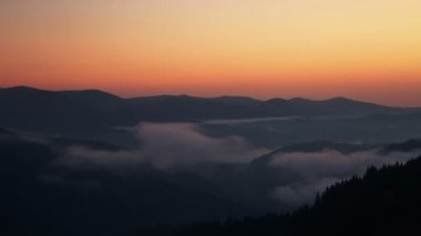 Dawn Mist in the Forested Mountains. Time Lapse — Stock Video
