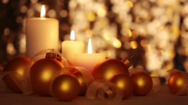 Christmas Candles and Balls. Changing Light — Vídeo de stock