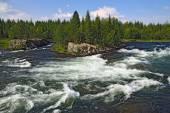 Threshold Padun on Umba river, Kola peninsula, Russia — Stock Photo
