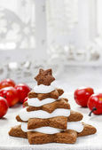 Gingerbread christmas trees. Beautiful xmas — Stock Photo