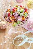 Children's party table: candies and cake pops — Stock Photo