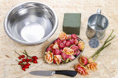 How to make floral arrangement in vintage watering can — Stock Photo
