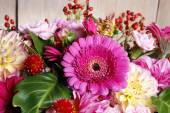 Bouquet of gerbera and dahlia flowers — Stock Photo