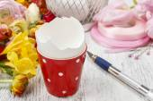 How to make spring bouquet of flowers in goose egg shell tutoria — Stock Photo
