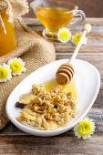 Мюсли с медом — Стоковое фото