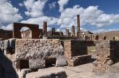 Famous antique ruins of town pompeii in southern italy — Stockfoto