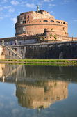 Picturesque view of majestic Castle of Saint Angel over the Tiber river in Rome, Italy — Foto Stock