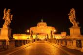 Majestic Castle of Saint Angel over the Tiber river by night  in Rome, Italy — Stockfoto