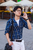Asian man with mobile smartphone. — Fotografia Stock