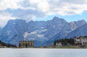 Lago di Misurina lake — Stock Photo