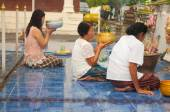 NONGKHAI THAILAND - OCTOBER 08 : People praying pagoda in temple — Photo