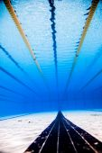 Empty 50m Olympic Outdoor Pool From Underwater — Stock Photo