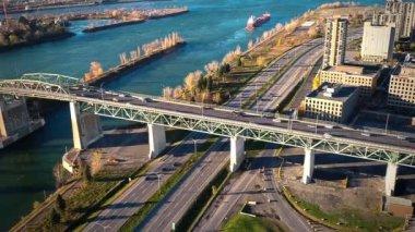 Montreal Jacques-Cartier Bridge — Stock Video