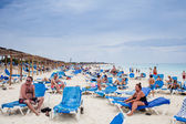 Cuba Beach With many Canadian Tourists — Stock Photo