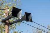 Colonna dell'annata con un altoparlante di colore naturale — Foto Stock