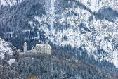 Castle Neuschwanstein in the Bavarian Alps — Stock Photo