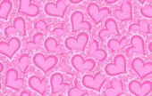 美しいピンクの抽象的な心とベクトルのシームレスなパターン。無限テクスチャ — ストックベクタ