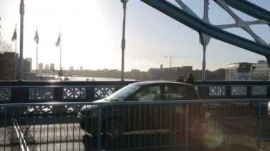 People at Tower Hill Bridge — Stock Video