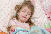 Four-year girl cries from large temperature — Stock Photo