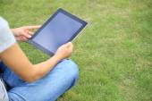 Woman college student use tablet pc — Stock fotografie