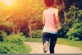 Runner  running on forest — Stock Photo