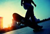 Skateboarder skateboarding — Stock Photo