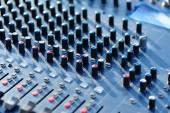 现代的音频混音器 — 图库照片
