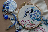 Embroidered blue bird, blue beads and elements — Fotografia Stock