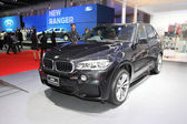 BANGKOK - MARCH 24: BMW x5 xdrive 30d car on display at The 36 t — Stockfoto