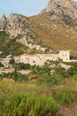 View of a disused finca near Puerto Pollensa — Stock Photo