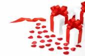 Коробки подарков с текстильными сердцами, понятием Дня святого Валентина — Стоковое фото