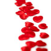 Corações de feltro vermelho, isoladas em um fundo branco — Fotografia Stock