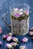 Tea with rose buds — Foto Stock