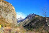 Mountains in Pyrenees, winter, spring — Stock Photo