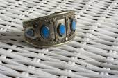 Vintage bracelet with turquoise stone — Stock Photo