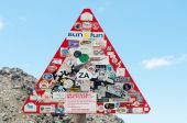 Road sign near the top of the Swartberg Pass — Stock Photo