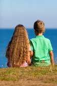 Boy and girl during summer time — Foto de Stock