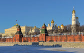 Moscow Kremlin from the Moscow-River embankment — Stock Photo