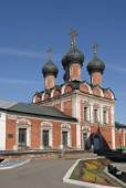 High-Petrovsky male monastery. Church of the Theotokos of Bogolyubovo in Moscow — Stock Photo