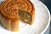 Durian fruit of Mooncake in white dish. — Stock Photo