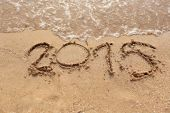 Beaches waves and text 2015 drawn in the sand. — Stockfoto