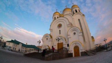 Church of the nativity, krasnoyarsk, time lapse — Stock Video
