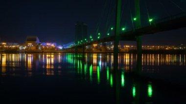 Suspension bridge in krasnoyarsk, night time lapse — Stock Video