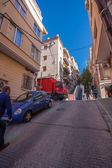 BARCELONA, SPAIN - FEB 7, 2014: Baixada de la Gloria street leading to famous Park Guell entrance on Feb 7, 2014 in Barcelona Spain. It's one of most steep rise in this city titled as The glory slope — Stock Photo